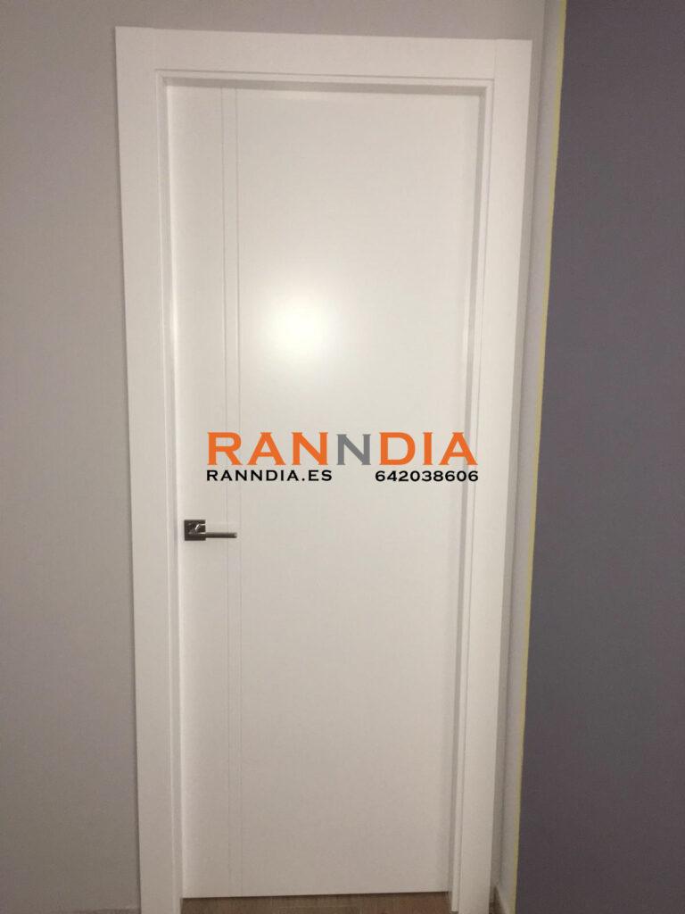 puerta blanca 2 líneas benalmadena